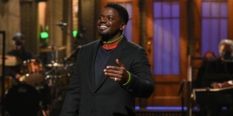 Daniel Kaluuya Mocks His Muted Golden Globe Speech In 'SNL' Monologue