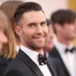 Adam Levine photographs himself wearing flowing sundress in adorable familysnap – Music News