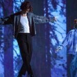 "Watch Shawn Mendes cover Justin Bieber's""Peaches"" – Music News"