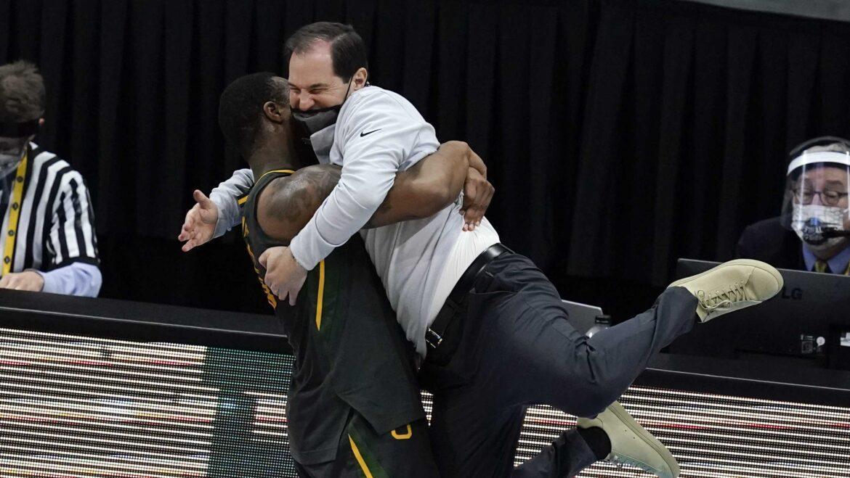 Baylor beatdown: Bears win title, hang heavy loss on Gonzaga