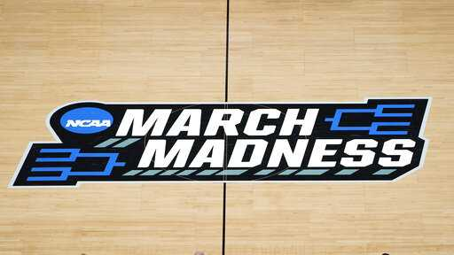 Final Four: UCLA going toe-to-toe with favored Zags at half