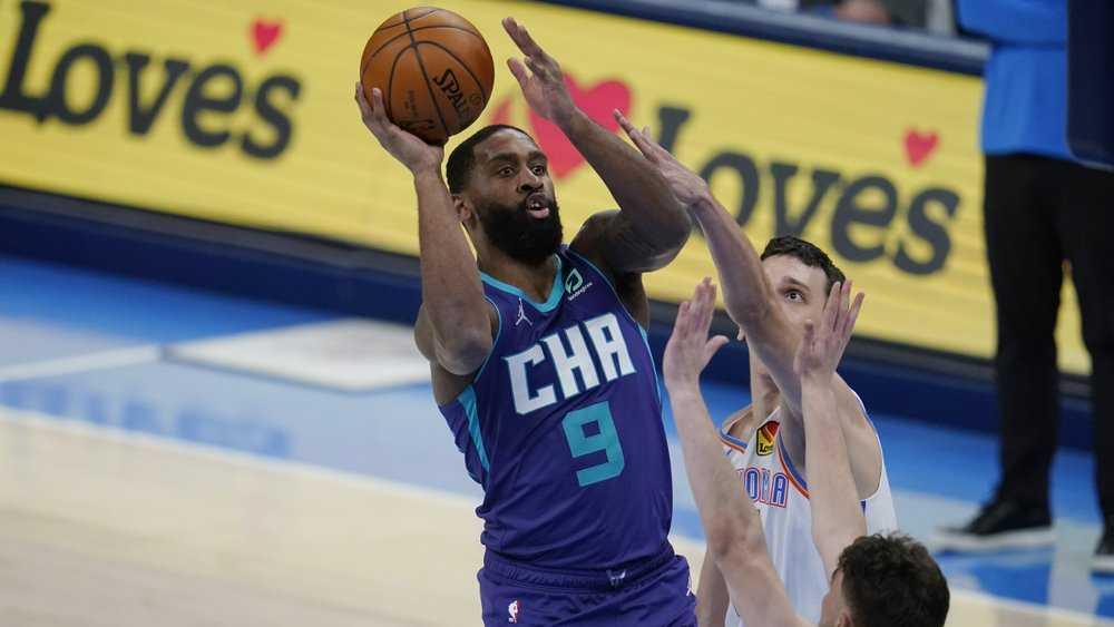 McDaniels has career-high 21 points, Hornets beat Thunder