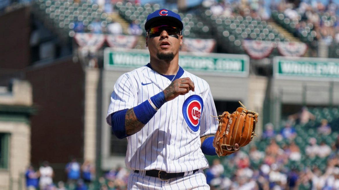 Cubs' Javier Báez pulled from game after forgetting number of outs vs. Cleveland